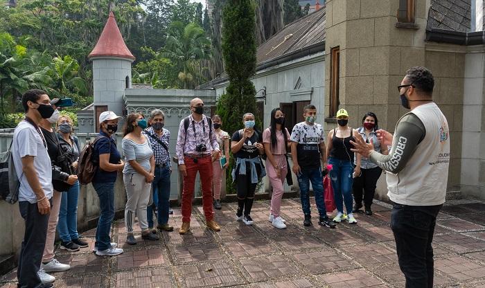 50 taxistas y 450 ciudadanos participarán en talleres de formación turística ofrecidos por la Alcaldía de Medellín